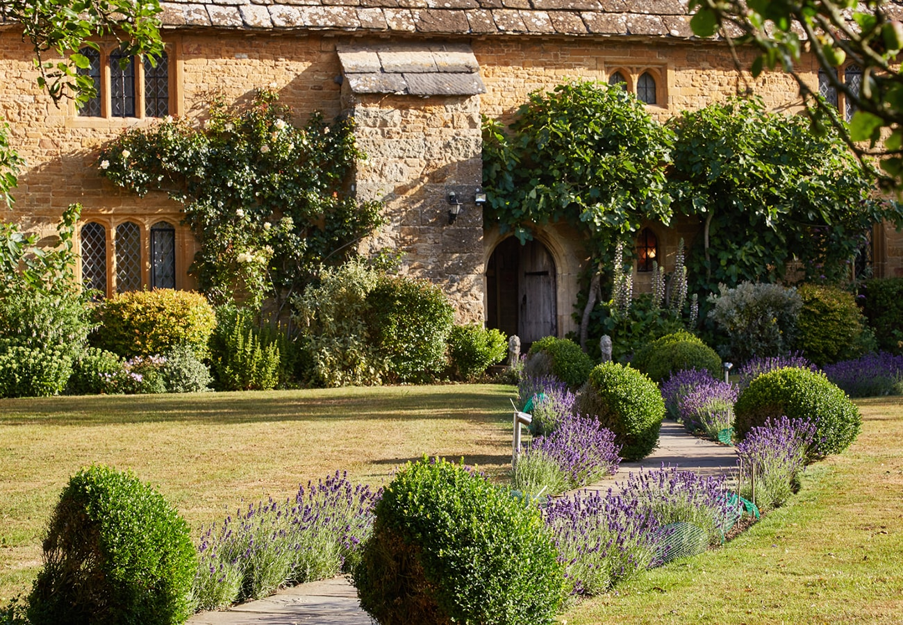 Bailiffscourt hotel and spa a rustic retreat in sussex for Rustic retreat